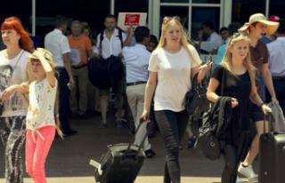Antalya 9 aylık dönemde 12 milyon turisti ağırlayarak...
