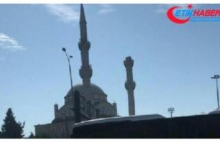 Hasar gören minarenin yıkımına başlandı
