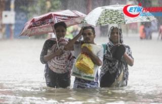 Hindistan'da muson yağmurları bu yıl bin 600'den...