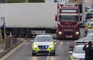 İngiltere'de tırın arkasında 39 cesedin bulunmasıyla...