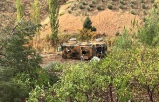 Kahramanmaraş'ta zırhlı askeri araç devrildi:...