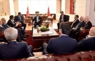 Kılıçdaroğlu sendika temsilcilerini kabul etti