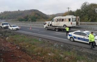 Madencileri taşıyan işçi servisi kaza yaptı:...