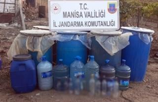 Manisa'da bin 750 litre kaçak içki ele geçirildi