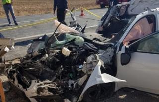 Okula giden öğretmenler kaza yaptı: 1 ölü, 1...