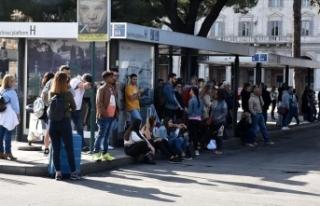 Roma'da belediye işçilerinin 24 saatlik grevi...