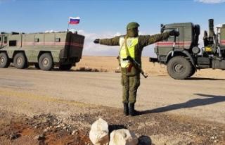 Rus takviye birlikleri Türkiye-Suriye sınırına...