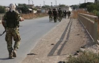 Suriye Milli Ordusu askerleri stratejik M4 kara yoluna...