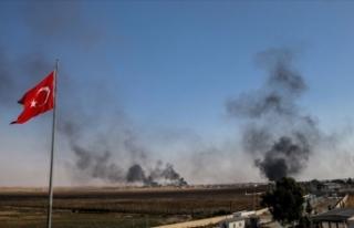 Tel Abyad'daki terör hedefleri obüs atışlarıyla...