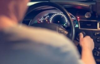 Trafiği tehlikeye düşüren sürücülere gözaltı