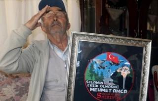 25 yıldır Mehmetçiği selamlayan Mehmet amcayı...
