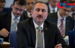 Adalet Bakanı Gül: Kadına şiddeti engelleyecek...