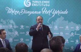 Bakan Varank, Malezya'daki Türk vatandaşlarıyla...
