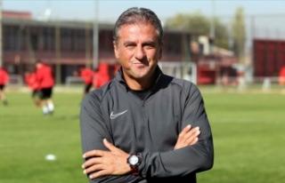 Gençlerbirliği Teknik Direktörü Hamzaoğlu takımından...