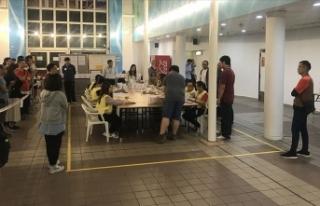 Hong Kong yerel seçiminde sandıktan demokrasi savunucularının...