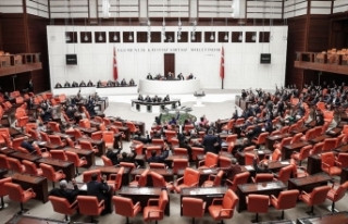 Meclis yeni vergi düzenlemesi için mesai yapacak