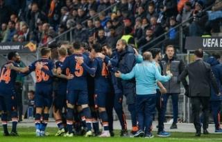 Medipol Başakşehir-Roma maçını Rumen hakem Ovidiu...