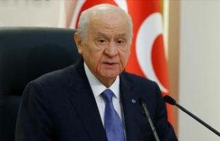 MHP Lideri Bahçeli'den ödül alan Haluk Bilginer'e...