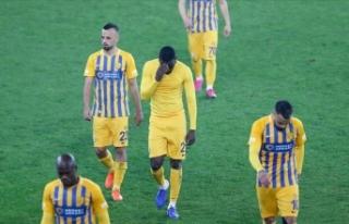 MKE Ankaragücü Süper Lig'de galibiyeti unuttu