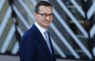 Polonya Başbakanı Morawiecki'den Macron'a...