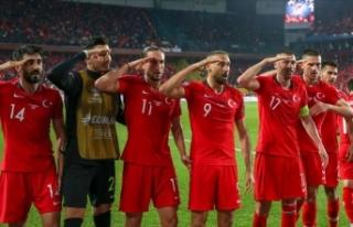 Süper Lig'deki 18 kulüpten UEFA'ya 'asker...