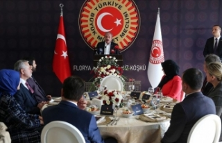 TBMM Başkanı Şentop İstanbul'da öğretmenlerle...