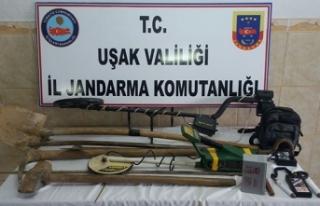 Uşak'ta kaçak kazı yapan 8 kişi gözaltına...