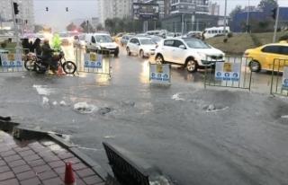 Adana'da 4 merkez ilçede sağanak nedeniyle...