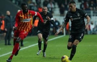 Adebayor Kayserispor'dan ayrıldığını açıkladı