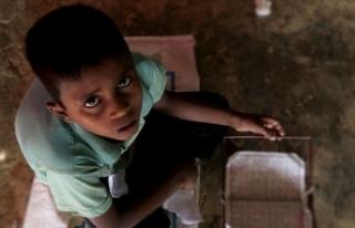 Bangladeş Arakanlı Müslüman çocukların eğitime...