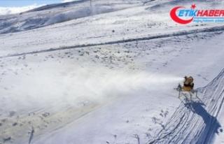 Erciyes Dağı'nda 45 bin metreküp yapay kar...