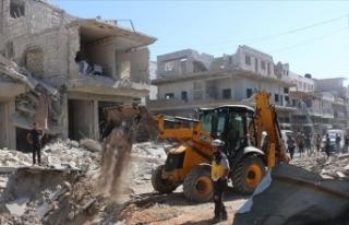 Esed rejimi İdlib'de pazar yerini vurdu: 11...
