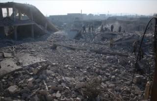 Esed rejimi İdlib'de son 4 günde 35 yerleşimi...