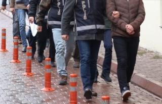 Eski Başbakanlık çalışanlarına FETÖ operasyonu:...