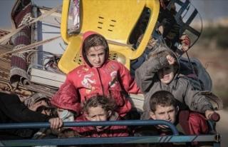 İdlib'de son 2 günde 25 bin sivil daha yerinden...