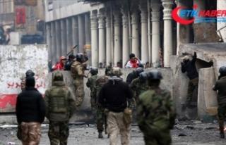 Irak'taki gösterilerde en az 460 kişi hayatını...