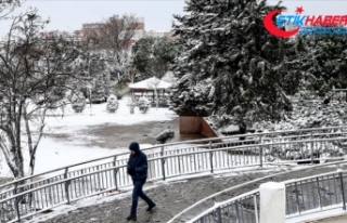 İstanbul'un yükseklerinde karla karışık...