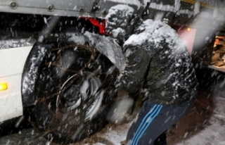 Kar yağışı ve tipi Kop Dağı Geçidi'nde...