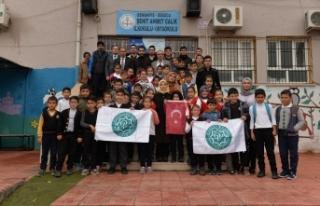 Osmaniye Vakfı'ndan ilköğretim öğrencilerine...