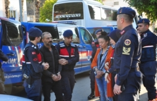 Antalya'da suç örgütü operasyonunda yakalanan...