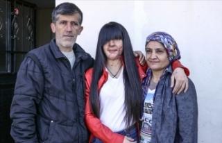 Asitli saldırı mağduru Berfin Özek ve ailesinden...