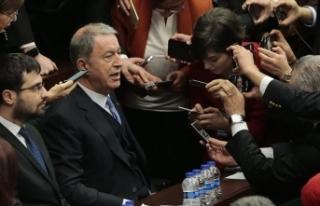 Bakan Akar: Dileğimiz bir an önce İdlib ve Libya'ya...