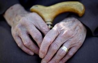 Bakanlık engelli ve yaşlı bakımına 'kalite...