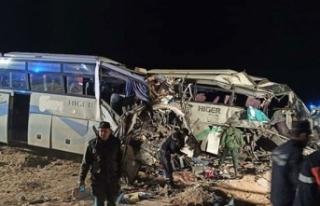 Cezayir'de yolcu otobüsleri çarpıştı: 12...