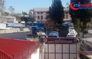 Depremde kısmi çatlaklar oluşan Adıyaman Cezaevindeki...