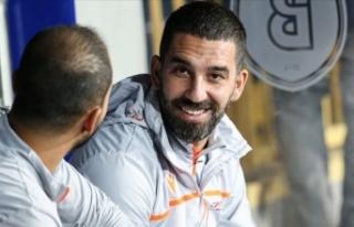 Bomba iddia: Arda Turan futbolu bırakıyor