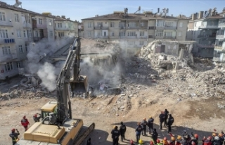 İçişleri Bakanı Soylu: İlk yıkılan 58 binanın...