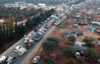 İdlib'den Türkiye sınırına 44 bin sivil...