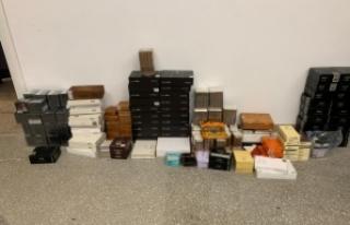 İstanbul'da kaçak puro operasyonu: 234 bin ürün...