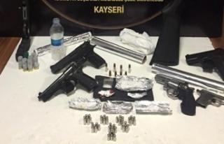 Kayseri'de uyuşturucu tacirlerine şafak operasyonu:...